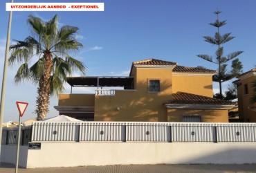 Villa - En venta - El Raso  -