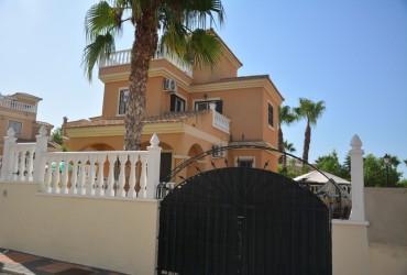 Villa - En venta - Lo Crispin -